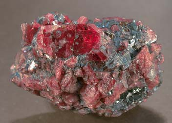 Rhodonite - Mineral specimens search results - Fabre Minerals