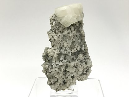 Dolomite with Quartz.