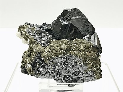 Galena after Pyrrhotite with Pyrite, Sphalerite and Calcite.