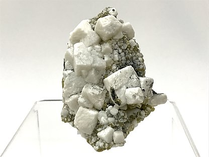 Dolomite on Quartz with Siderite and Ferberite.