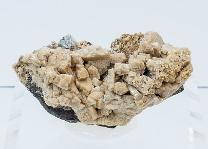 Whiteite-(CaFeMg) with Quartz, Lazulite and Siderite.