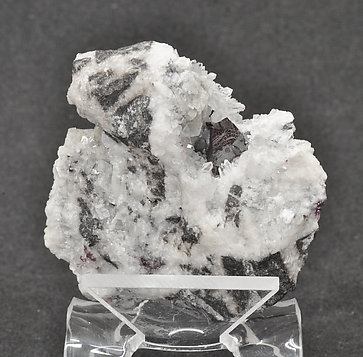 Cinnabar (twinned) on Quartz.