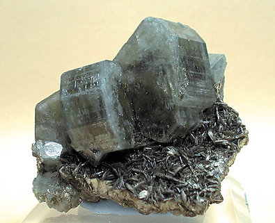 Fluorapatite with Mica.