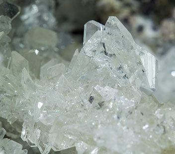 Pentahydroborite with Andradite, Galena and Wurtzite.