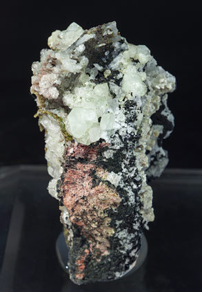 Scheelite with Andradite, Epidote and Chlorite. Front