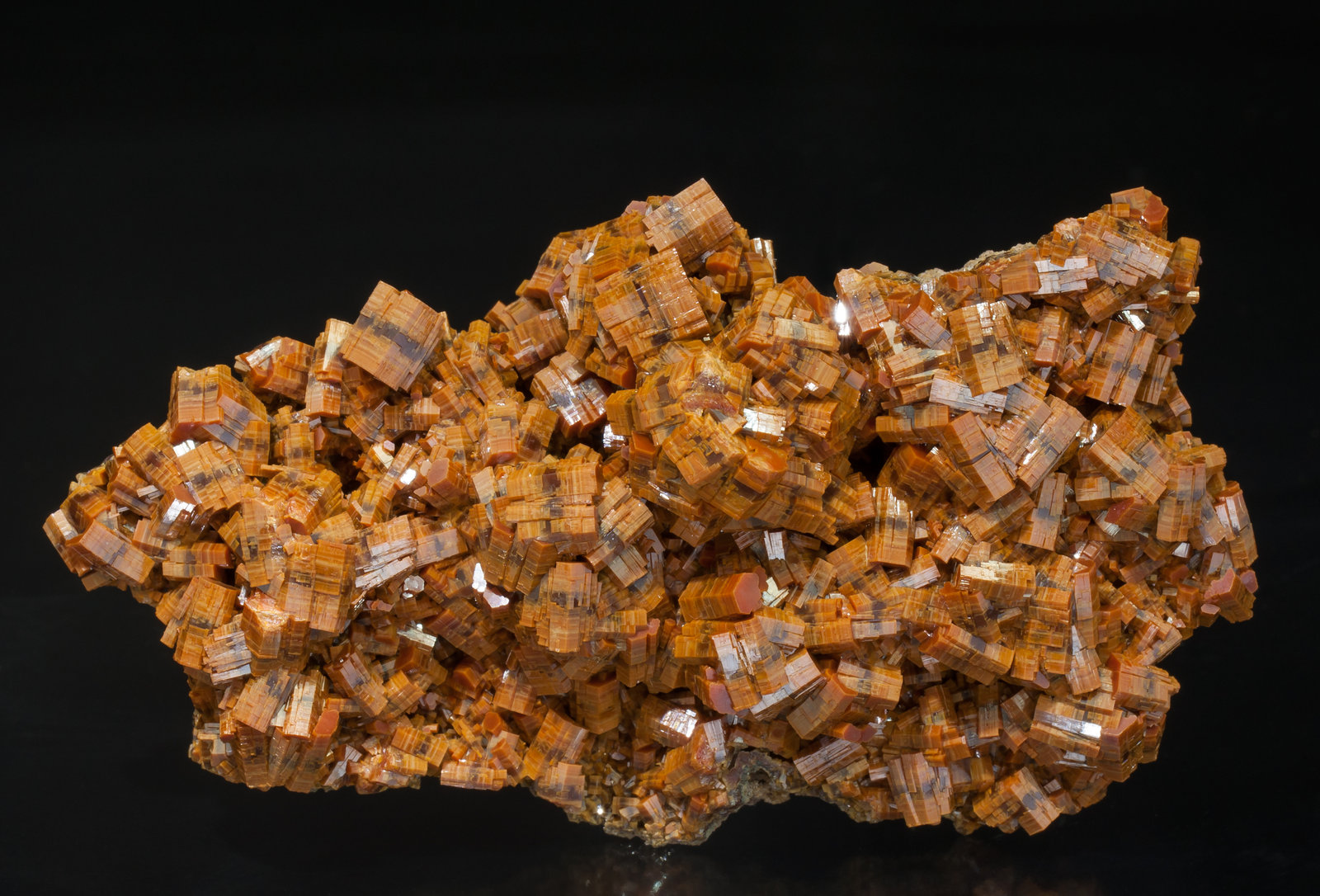specimens/s_imagesAA0/Vanadinite-EC66AA0f.jpg