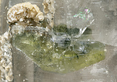 Quartz with Fluorapatite inclusions and with Muscovite, Siderite and Calcite.