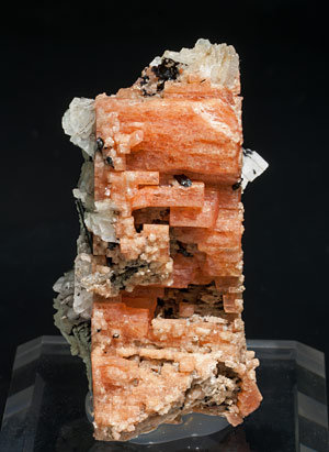 Serandite with Aegirine and Albite.