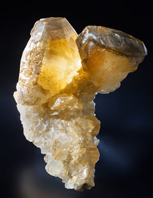 Twinned Calcite. Light behind