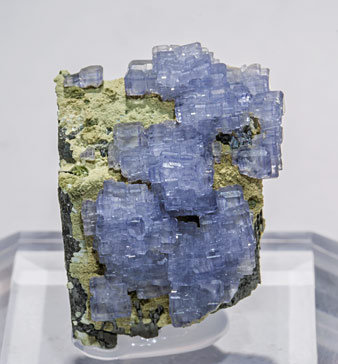 Fluorite with Ferberite and Siderite.