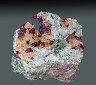 Mg-rich Roselite on Dolomite.