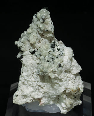 Bavenite with Microcline, Quartz and Chlorite.