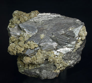 Cassiterite with Arsenopyrite, Fluorapatite, Calcite and Muscovite. Rear