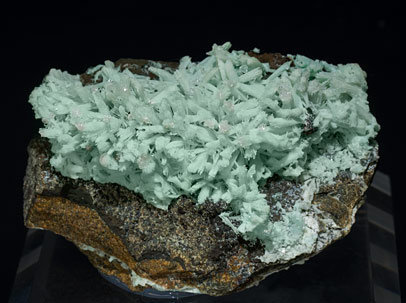 Tarbuttite with Hydroxylapatite and Hemimorphite. Front