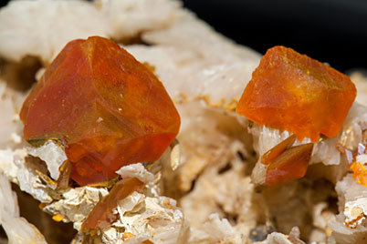 Wulfenite on Baryte.