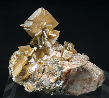 Wulfenite with Calcite.