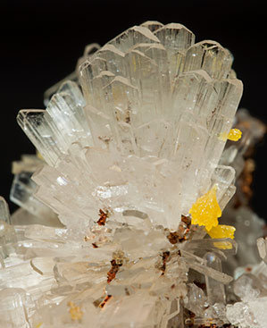 Hemimorphite with Mimetite.