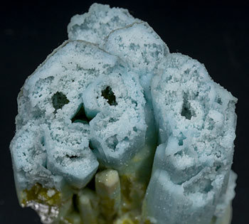 Pyromorphite with Plumbogummite. Top