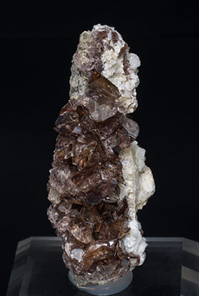 Axinite-(Fe) with Albite.