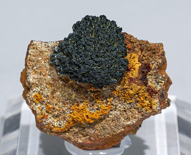 Ferrian Köttigite with Pharmacosiderite.