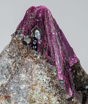 Erythrite with Phlogopite and Quartz.