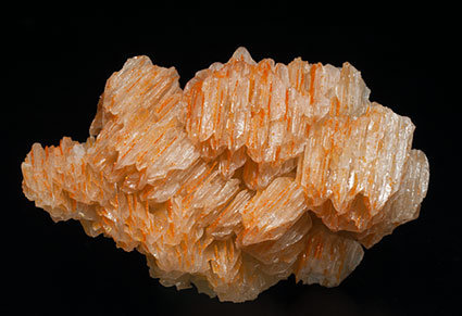 Chromium-rich Mimetite on Cerussite. Front