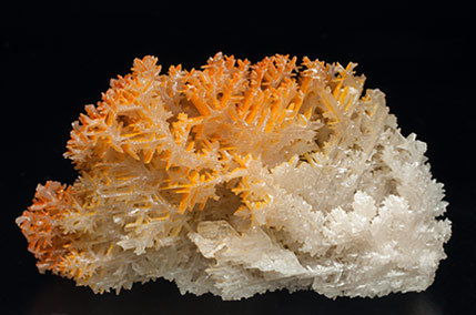 Chromium-rich Mimetite on Cerussite. Rear
