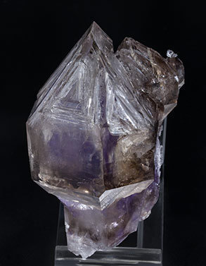 Sceptered Quartz (variety smoky  and amethyst). Side