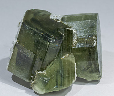 Fluorapatite with Calcite, Quartz and Muscovite. Side