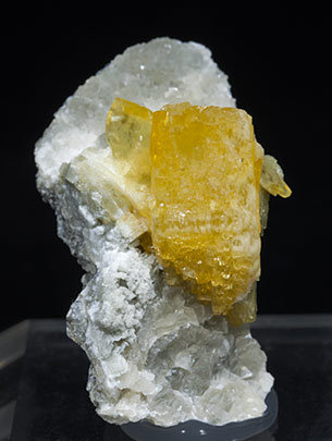 Baryte with Calcite.