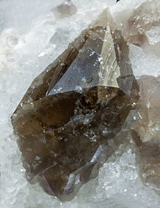 Scheelite with Fluorite, Quartz and Calcite.