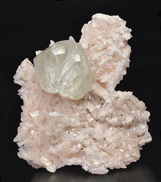 Calcite with Dolomite and Chalcopyrite.