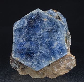 Corundum - Mineral specimens search results - Fabre Minerals