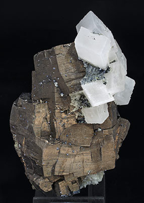 Pyrrhotite with Calcite and Quartz. Side
