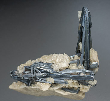 Stibnite with Baryte. Front