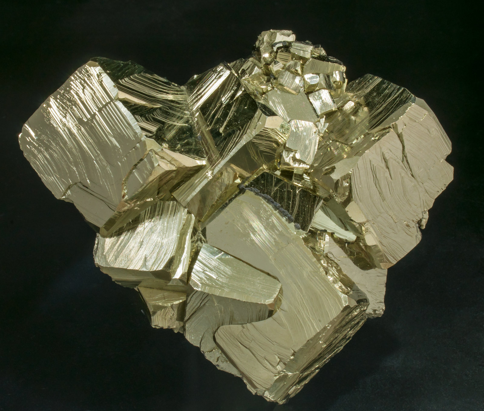 specimens/s_imagesAC9/Pyrite-TF59AC9f.jpg