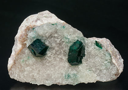 Dioptase on Calcite.