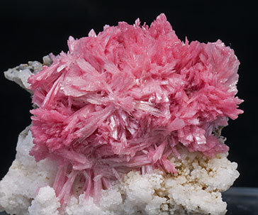 Rhodonite with Calcite.