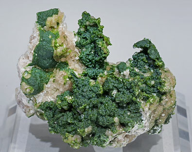 Conichalcite with Calcite.