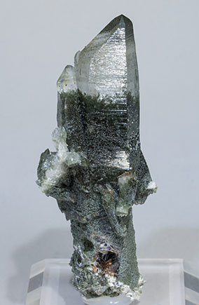 Quartz with Chlorite and Chlorite inclusions.