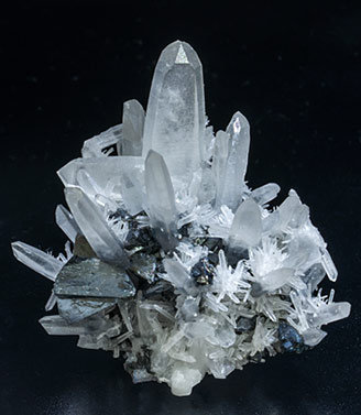 Lautite with Tennantite-Tetrahedrite, Quartz (Japan law twin) and Pyrite. Front