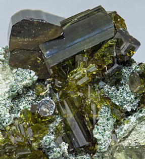 Vesuvianite with Chlorite.