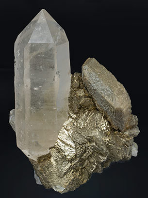 Quartz doubly terminated with Pyrite, Siderite and Chalcopyrite. Front