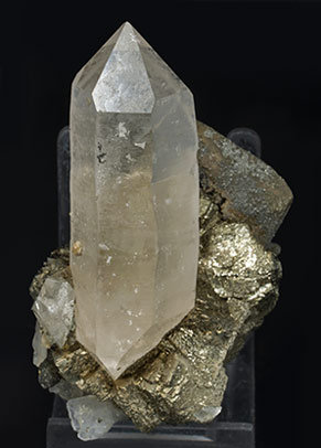 Quartz doubly terminated with Pyrite, Siderite and Chalcopyrite. Side