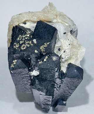 Ilvaite with Calcite and Pyrite. Top