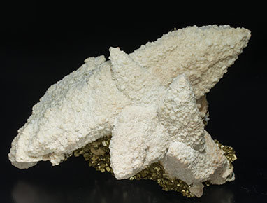 Dolomite after Calcite and with Pyrite. Side
