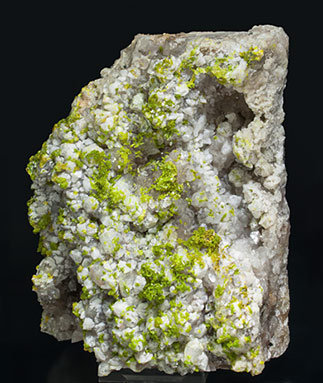 Pyromorphite with Quartz. Side