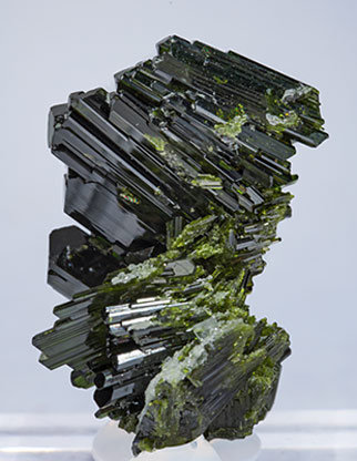 Epidote with Albite. Rear