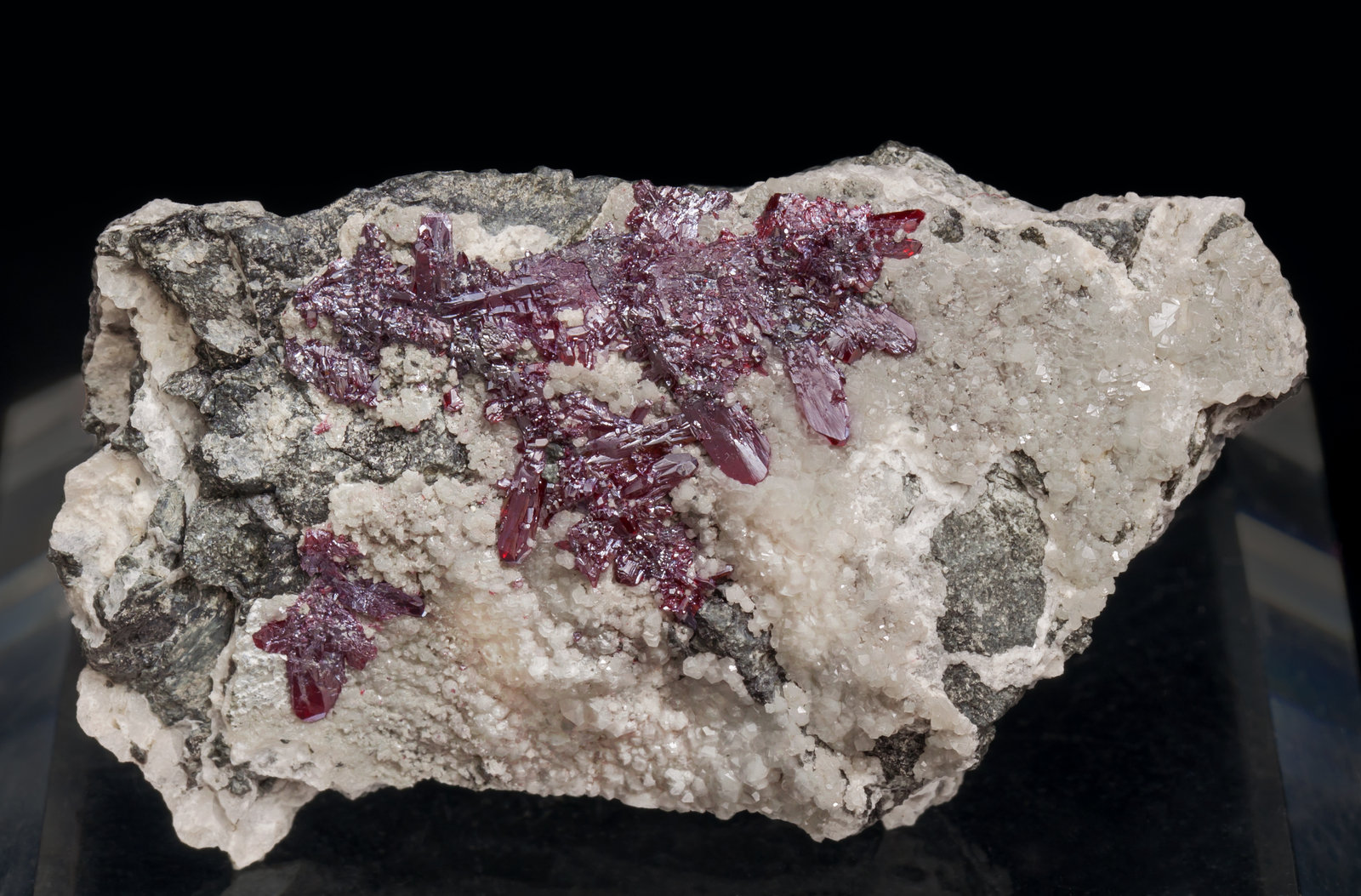 specimens/s_imagesAE6/Proustite-ML36AE6f.jpg