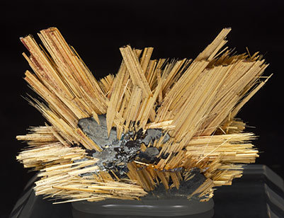 Rutile with Hematite.